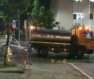 Ноћно прање улица у ужем делу града