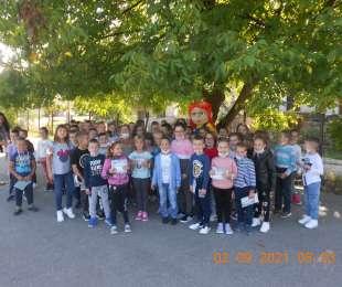 Љубица у посети првацима основне школе